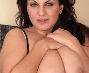 Southern Charms - Mellie D (01-111)