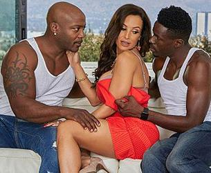 [TheLisaAnn.com] Lisa Ann - Black Out 3 BBG Threeway [2019-03-08, Interracial, Hardcore, Big Tits, Deepthroat, Threesome, Blowjob, Big Dick, Mature & Milf 2160p]