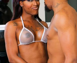 Blacktgirlshardcore.com - Innocence & B Flex Fuck Hard! (Apr 19, 2018) 1080p