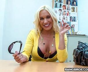 [BackroomMILF.com / BangBros.com] Ashlee Chambers (Kinky Milf Gets Banged Out / mf5415 / 11.05.2017) [Amateur, Big Tits, Blonde, Blowjob, Casting, Cougar, Cow Girl, Cum In Mouth, Cum Shot, Hardcore, Milf, Missionary, Riding, Shaved, Vaginal, White]