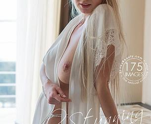 [ShowyBeauty.com] 2020-05-03 Iva - Simply Stunning [Solo, Nude] [4000x6000, 175 foto]