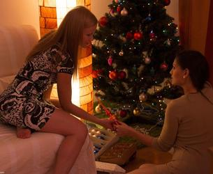[IdreamofJo.com] Jo, Eve Angel (Merry Christmas / GG-0063 / 27.12.12) [2012 g., Lesbo, 720p]