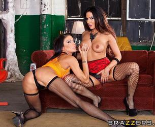 [PornstarsLikeItBig.com/ Brazzers.com] Kristina Rose & Jessica Jaymes & Kirsten Price (To Live and Fuck in L.A. (Part 3)/ 01.04.13) [2013 g., Anal, Lesbian, Threesome, Latina, Big Tits, MILF, 1080p]