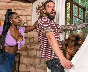 [Brazzers / BrazzersExxtra] Demi Sutra & Ebony Mystique - Jogging His Memory With Her Pussy [1080p]